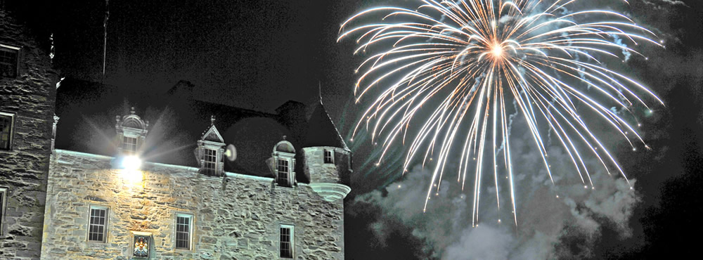 A Castle Menzies wedding - fireworks